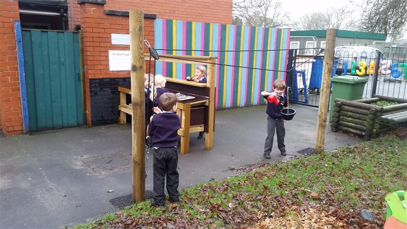 Rope and Pulley Mover fro EYFS children