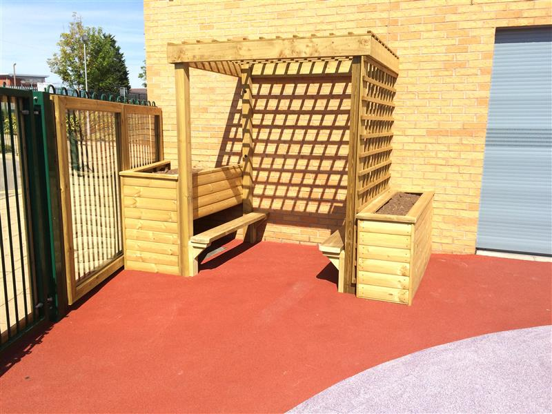Planter Benches installed in Park Primary's Early Years Playground