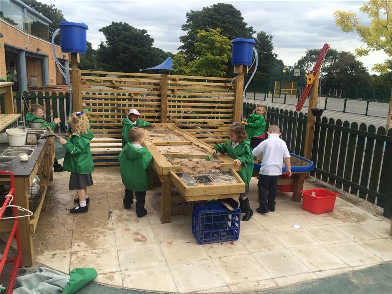 Early Years Messy Play Equipment