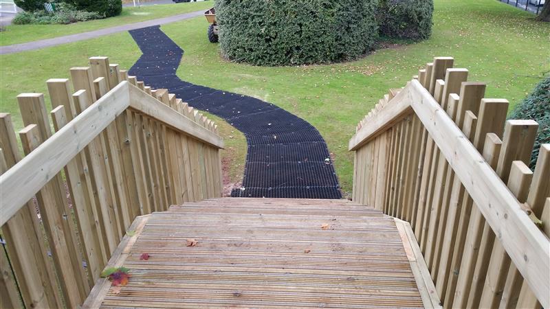 Bridge design for school playgrounds