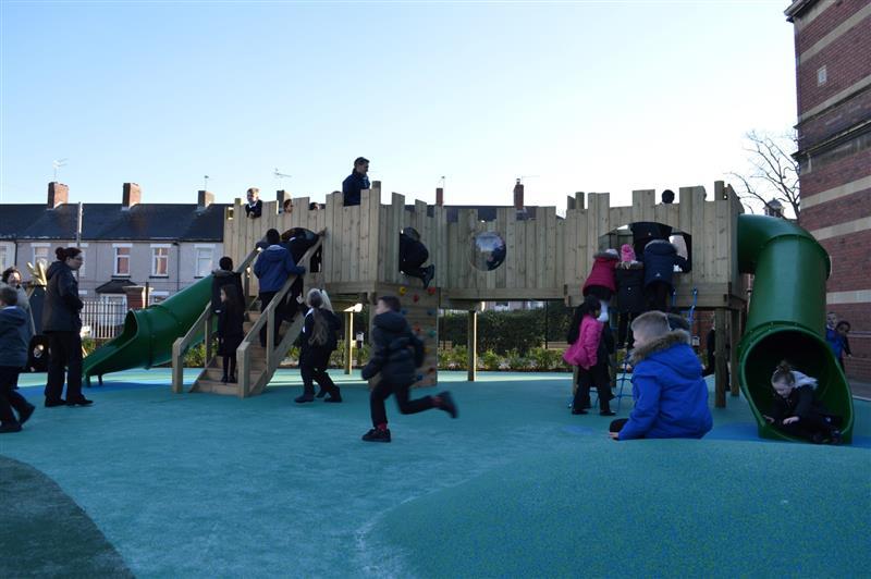Outdoor play castle