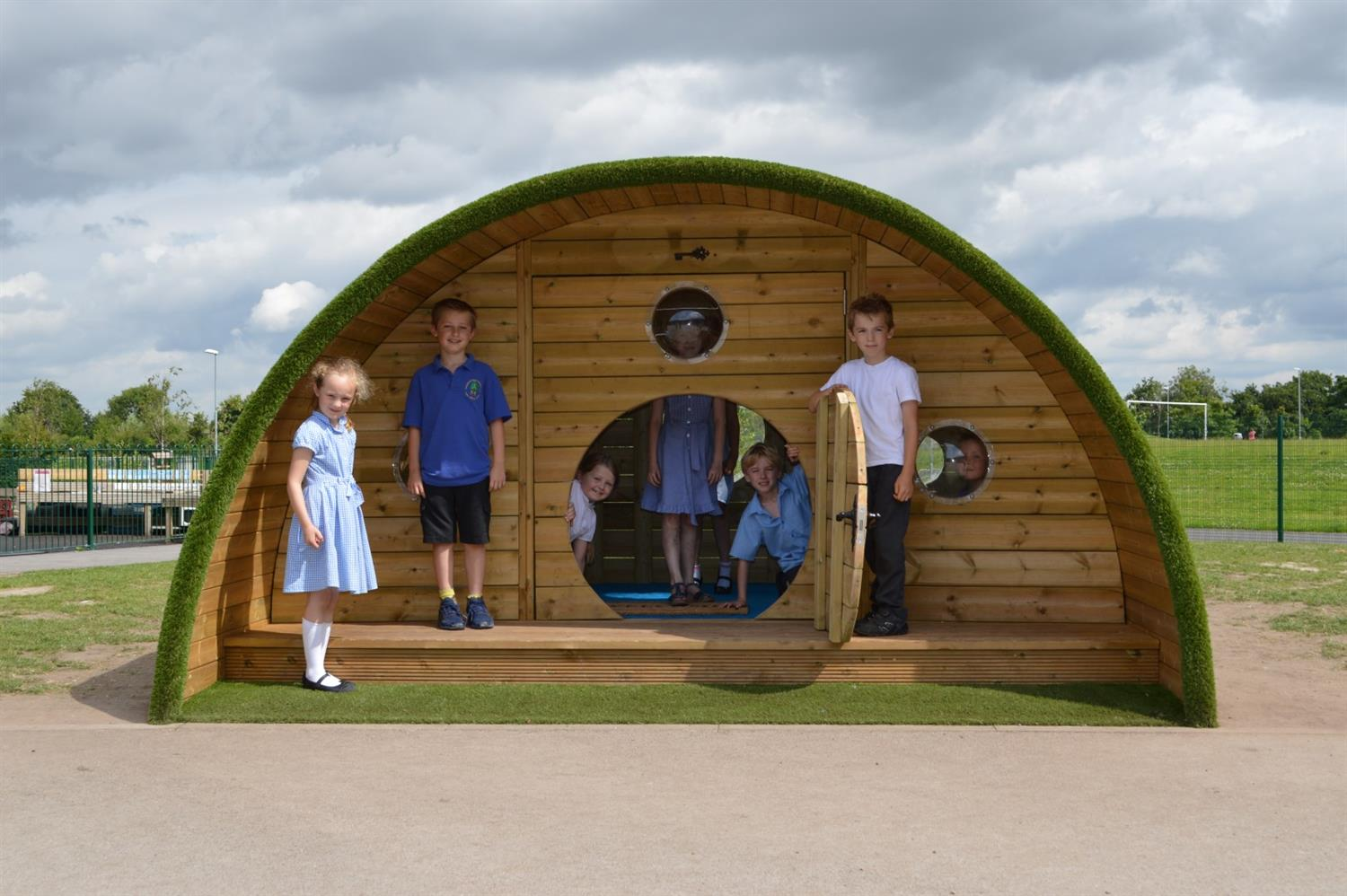 Chapelford Primary School S Hobbit Playhouse Pentagon Play