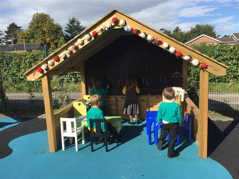 outdoor wooden play house for schools