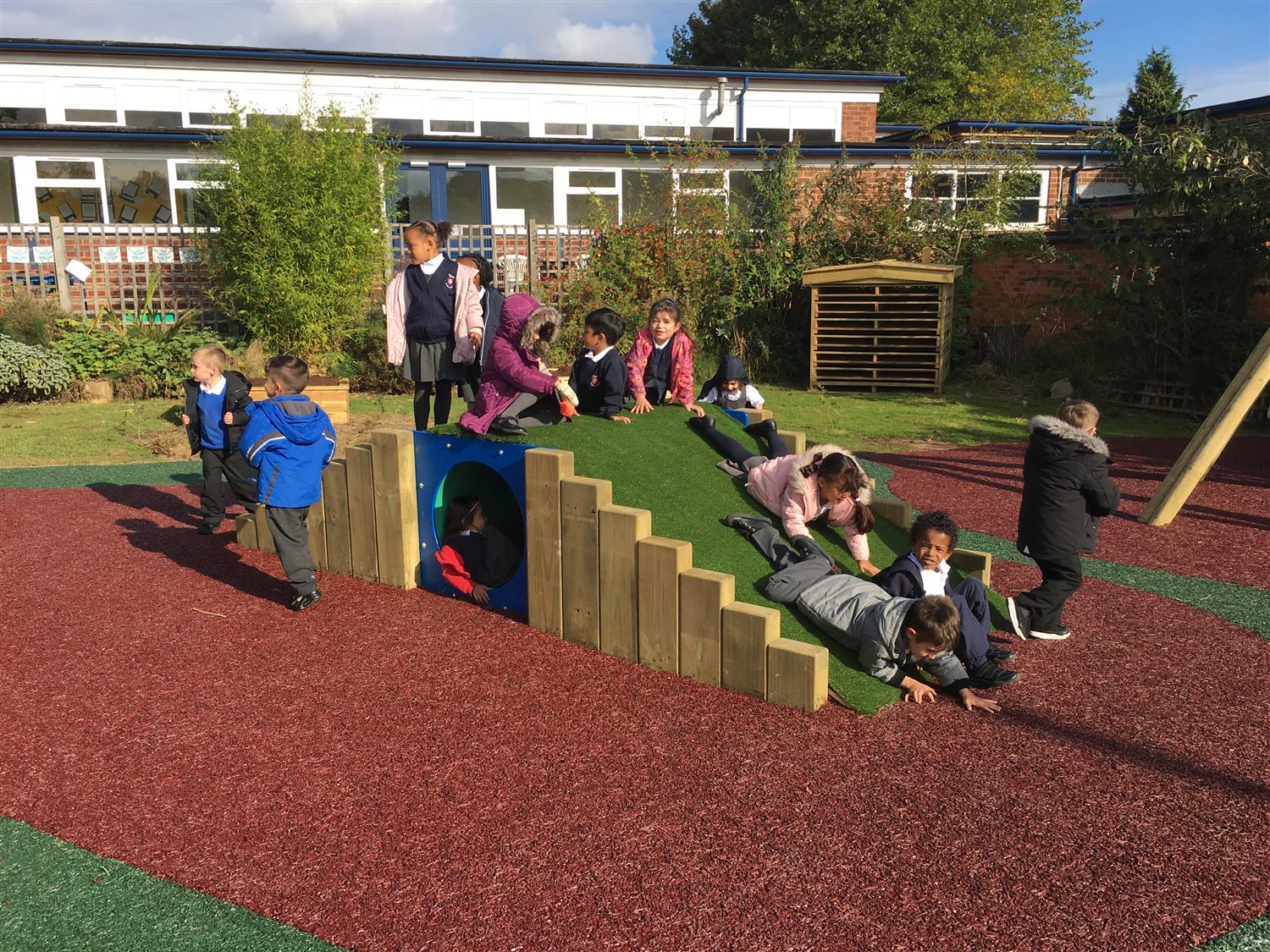 Paganel Primary School S Outdoor Classroom Pentagon Play