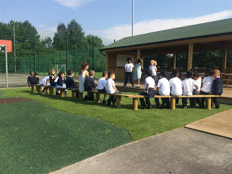 Outdoor Classroom Decking - Ashbury Meadow School