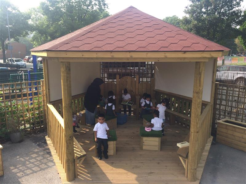 outdoor clasroom