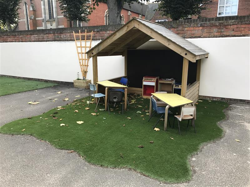 outdoor playhouse for schools