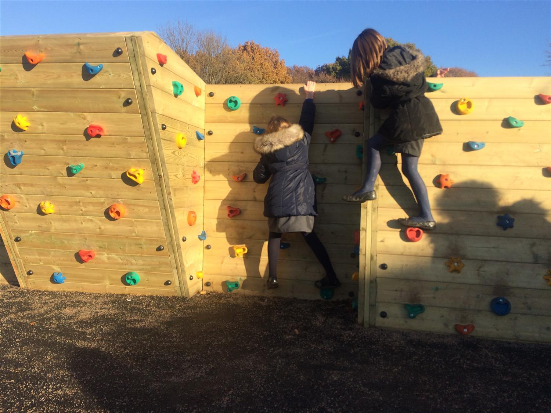 St Elizabeth's School - Bouldering Climbing Wall ...