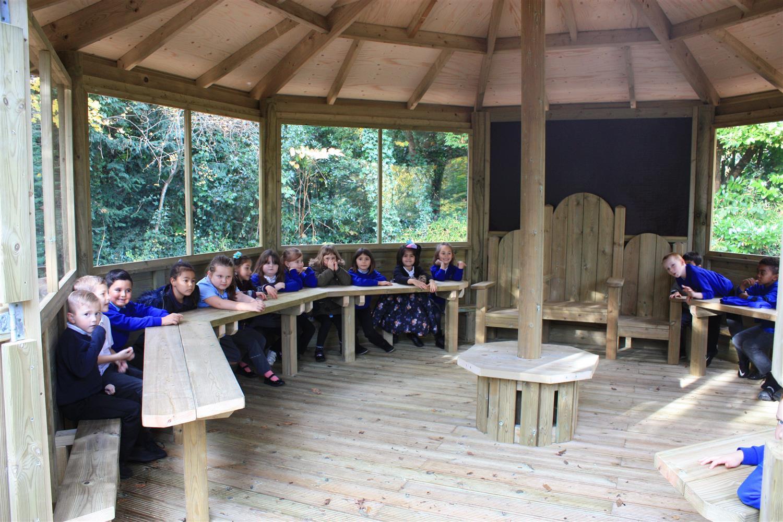 Swaythling Primary School S Outdoor Classroom Pentagon Play