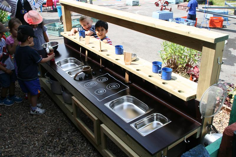 Mud Kitchen Pentagon Play