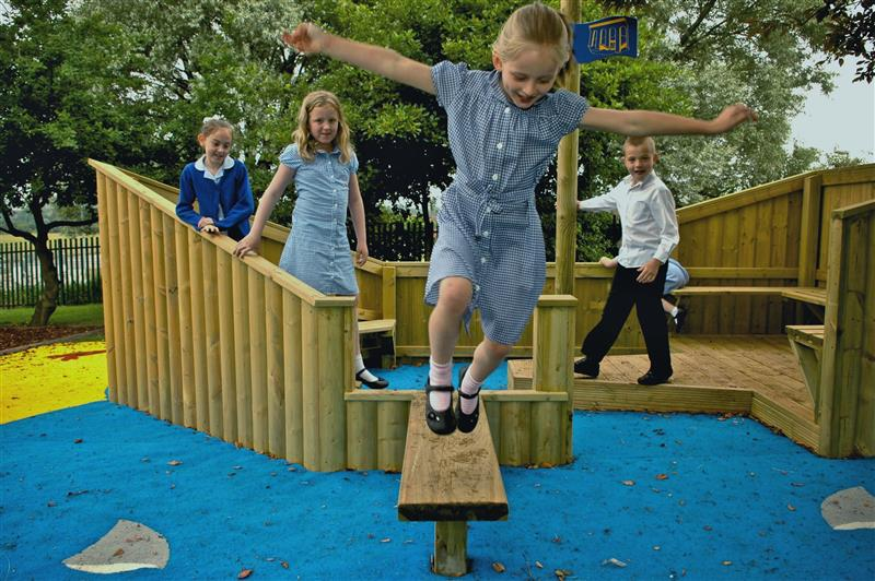 Outdoor lay Ship For Pretend Play