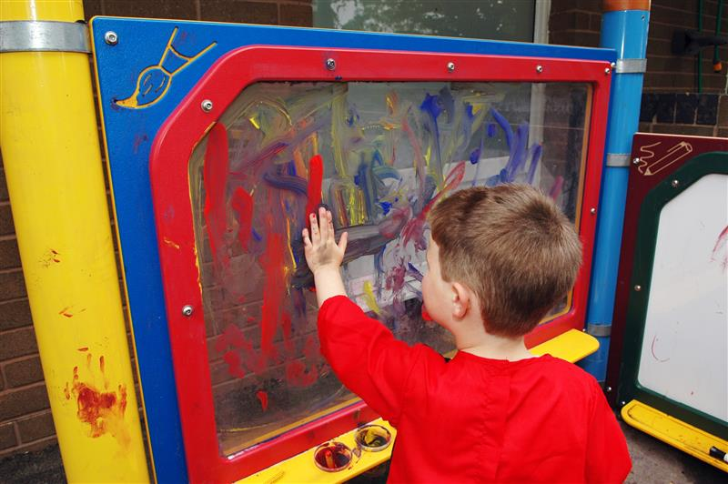 SEN playground equipment - Messy Play