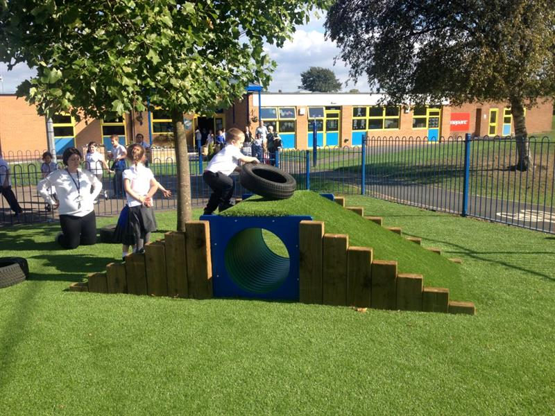 Climb through tunnel ideal for heavy work activities on your playground