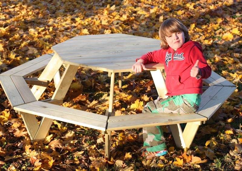 octagonal round picnic table