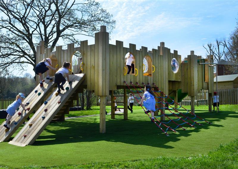 playground equipment for primary schools