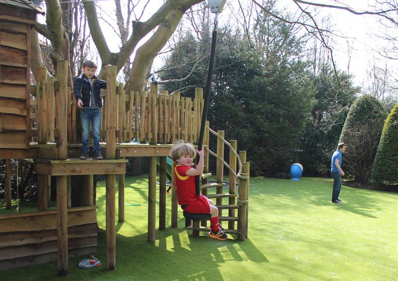 kinetic playground equuipment