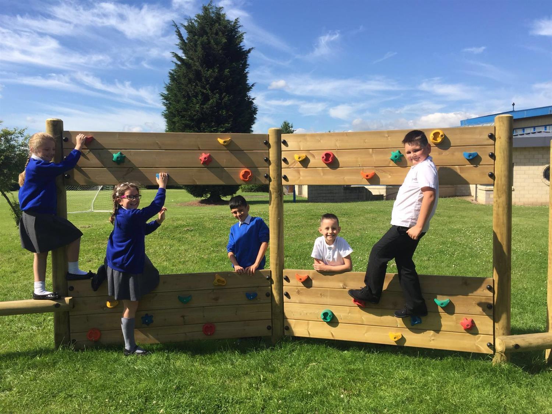 Eton Park School S Trim Trail Challenge Pentagon Play
