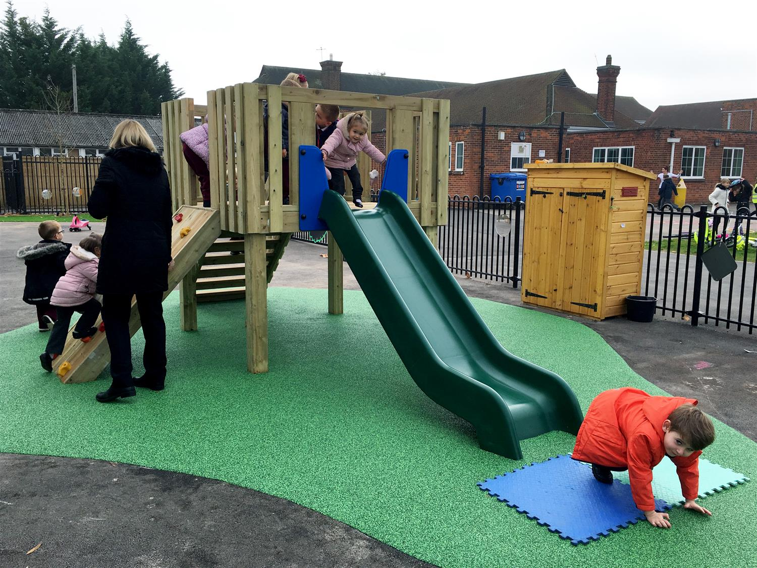 Danetree Primary's Early Years Play Equipment | Pentagon Play