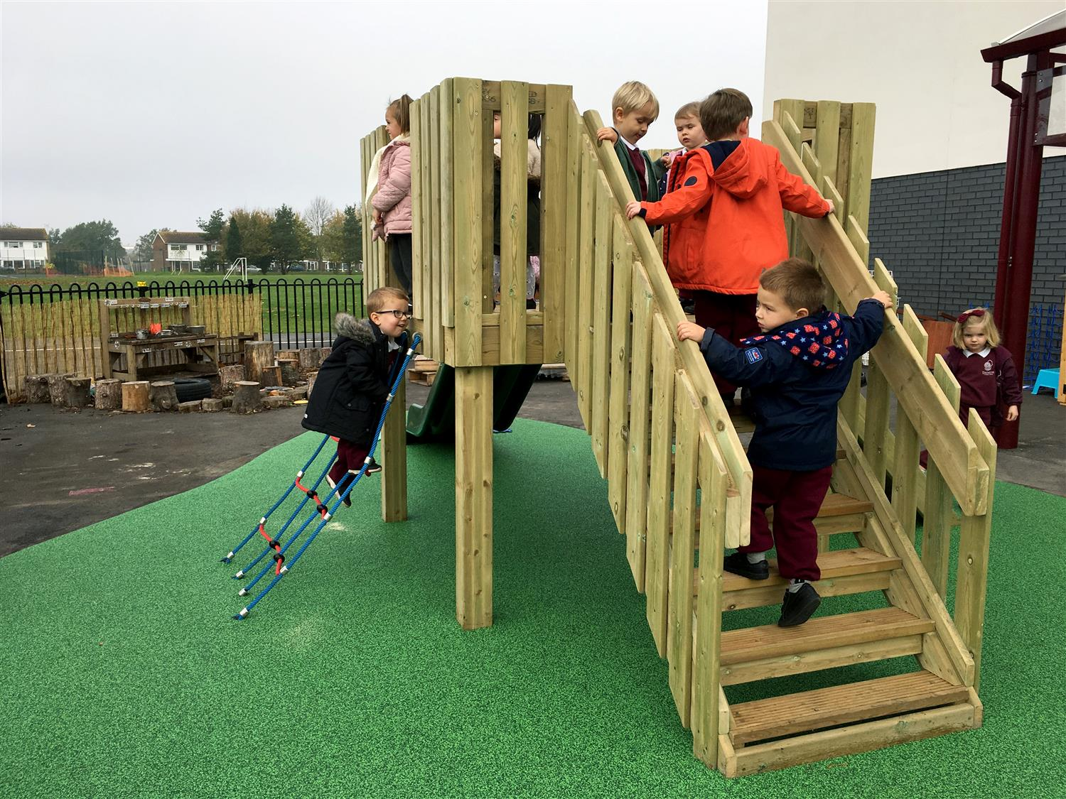 Danetree Primary S Early Years Play Equipment Pentagon Play
