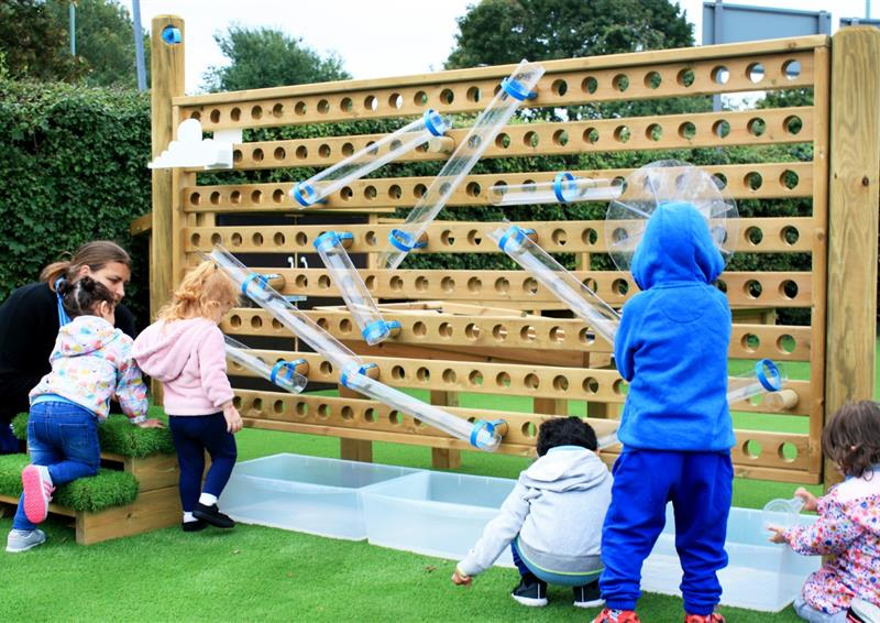 Water play for eyfs